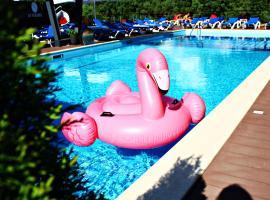 RiverSide- Restaurant, Hotel, Beach, готель у Чернігові