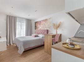 New Luxury Apartments IvMaLu, Hotel in Tučepi