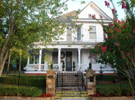 The Gables Inn, vacation rental in Hot Springs