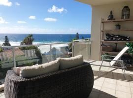 Sunshine Beach Penthouse with Beach Views - Unit 9/21 Park Crescent, Sunshine Beach, hotel in Sunshine Beach
