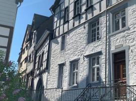 Manoir -1654- historisch schlafen in Monschaus Altstadt, pet-friendly hotel in Monschau