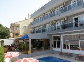 FAMOUS HOTEL, отель в Мармарисе