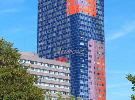 Studio-Apartment, zentral gelegen, hotel with pools in Cologne