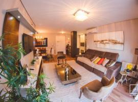 Apto Luxo 400m Rua Coberta! 3 quartos, self catering accommodation in Gramado