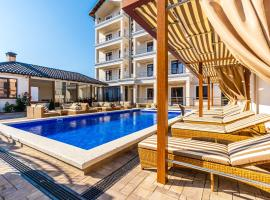Отель Южные Ночи, отель в Кабардинке