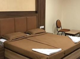 Hotel Dwaraka, hotel in Hyderabad