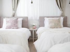 Bijou Suites Sorriso - Vacation STAY 82795, appartamento ad Osaka