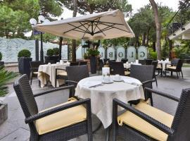 Hotel Globus, Sure Hotel Collection by Best Western, отель в городе Милано-Мариттима