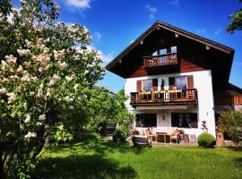 Gästehaus Neu am Passionstheater, B&B in Oberammergau