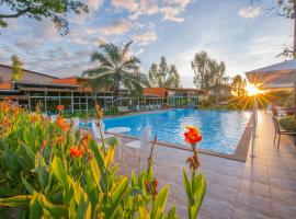 Baan Suan Khun Ta and Golf Resort, hotel in Ubon Ratchathani