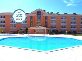 Riviera Hotel, hotel near Santa Marta Lighthouse, Carcavelos