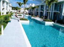 Casa em condomínio fechado-Arraial D'ajuda-Alto da Pitinga, hotel in Arraial d'Ajuda