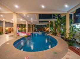 芭提雅,พัทยา,Jomtien beach 500m,Luxury Thai style ,5BR pool Villa,BBQ,#118 ค็อทเทจในหาดจอมเทียน