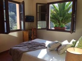 Hotel peñacabrera 2, B&B in Santa Eulalia