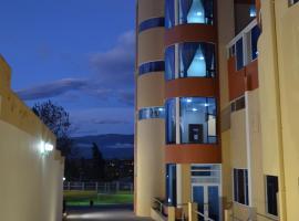 Hotel Versailles, hotel em Ambato