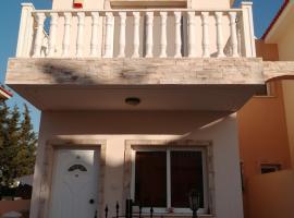 Athina's Laxia House, villa in Protaras