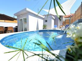 POP&ROCK HOLIDAY HOUSE ZADAR, hotel in Zadar