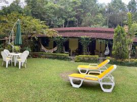 Casa na serra, holiday home in Teresópolis