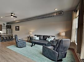 Chic Retreat: Walk to Dining, Shops, Entertainment condo, apartment in Asheville