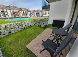 Apartament w Bel Mare z ogródkiem, hotel with jacuzzis in Międzyzdroje