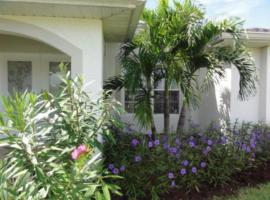 Villa Happy Blue villa, holiday rental in Cape Coral