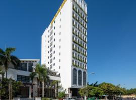 Gold Plaza Hotel Da Nang, hotel near Asia Park Danang, Da Nang