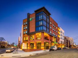 Holiday Inn Express & Suites - Charlotte - South End, an IHG hotel, hôtel à Charlotte