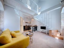 Studio Apartment Vicencina, beach hotel in Vis