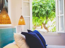 Hotel Romantic Los 5 Sentidos, hotel in Ciutadella