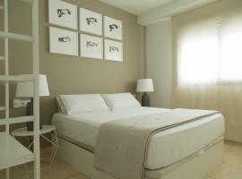 Apt Boutique - La Estrella, hotel cerca de Aqualand Torremolinos, Torremolinos