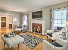 Retro Apartment with Dry Bar about 2 Miles to Dtwn!, vacation rental in Lexington