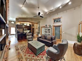Church Street Apartment Unit 101 Apts, apartment in Asheville