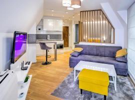 Deluxe studio Center city, апартамент във Варна
