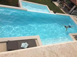 Villa am Lorbeerhain, pet-friendly hotel in Lovran