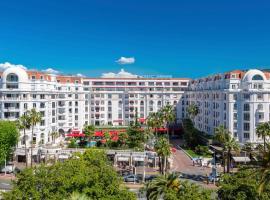 Hôtel Barrière Le Majestic Cannes, отель в Каннах