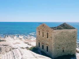 Attico Punta Bianca Agrigento, hotel vicino alla spiaggia a Agrigento