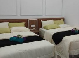 Captain's Cabin Resort - Naval Heritage (Swimming Pool), hotel near Sultan Ismail Petra Airport - KBR,