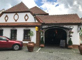 COMPLEX SELECT, hotel in Mediaş