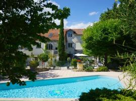 Hotel Le Blason de Provence, hotel in Monteux