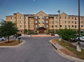 Staybridge Suites Austin South Interstate Hwy 35, an IHG Hotel, hotel Bob Bullock Texas State History Museum környékén Austinban