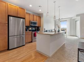 Luxury Denver 30 Day Rentals, apartment in Denver