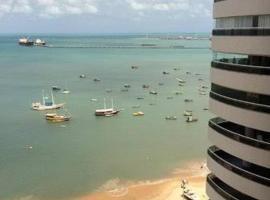Golden Fortaleza Beira Mar, apart-hotel em Fortaleza