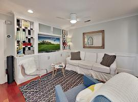 Super-Chic Riverside Condo - 2 Blocks from Water condo, vacation rental in Wilmington