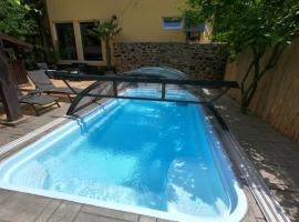 Thermae D'Olimpia- Adults only 14+, hotel with jacuzzis in Băile Herculane