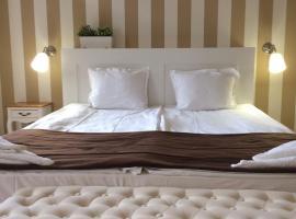 Hotel Arte, hotel in Varna City