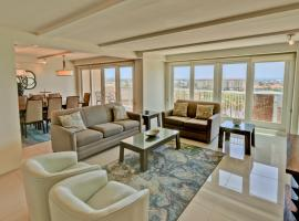 Wake up in paradise! Chic Bayview condo in beautiful beachfront resort, shared pools, jaccuzi, pet friendly, resort in South Padre Island