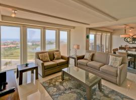 Gorgeous view to the bay! Spacious condo in beachfront resort, shared pools & jacuzzi Dog friendly, resort in South Padre Island