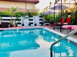 The Village, hotel v destinaci Palm Desert