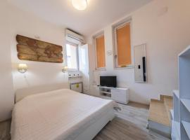 New Charming Studio, hotel near Piața Iancului Metro Station, Bucharest