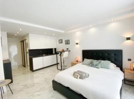 Few steps from the beach - Nice studio w terrace, apartment in Cannes